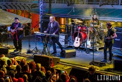 Neil Morse Band performs on Cruise To The Edge 2015
