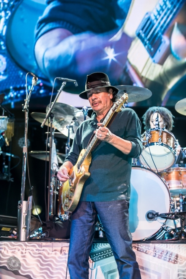 16-04-22 - Rama - Latin rock icon Carlos Santana performed at Casino Rama.