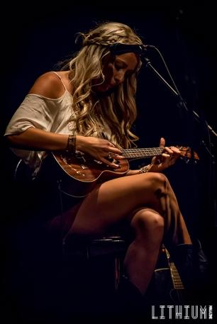 Madeline Merlo - Bright Lights Big Country-